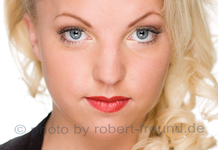 Fotostudio Duesseldorf Beauty Portrait, Foto Shooting Gesicht mit Visagistin