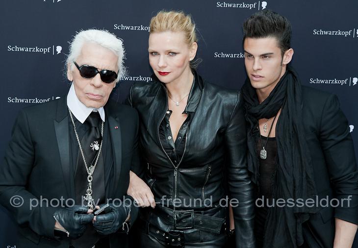 Fotograf Robert Freund  zeigt als Event Fotograf  Coco Chanel Chefdesigner Karl Lagerfeld, Karl Lagerfelds Muse Baptiste Giabiconi und TV-Star Veronica Verres gemeinsam.